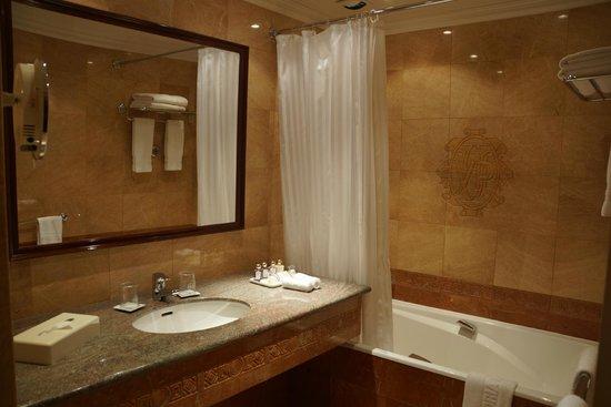 Victoria Palace: Banheiro