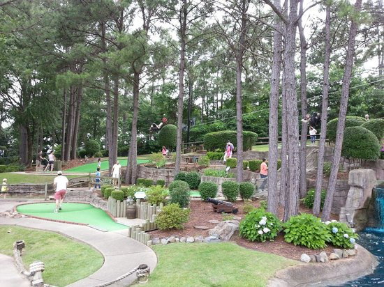 Pirate's Cove Adventure Golf: Great landscapes offer challenging courses for everyone to an enjoyable day!