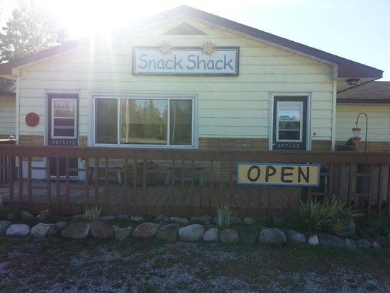 The Buckhorn Motel: The office where they sell snack