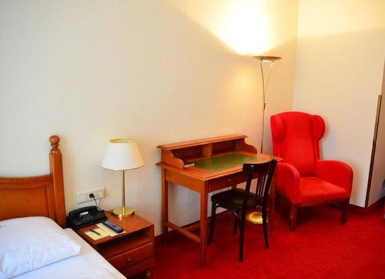 Hotel am Mirabellplatz: 室内(調度)