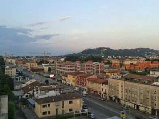 Vicenza Tiepolo Hotel: Panorama dalla camera, ottavo piano