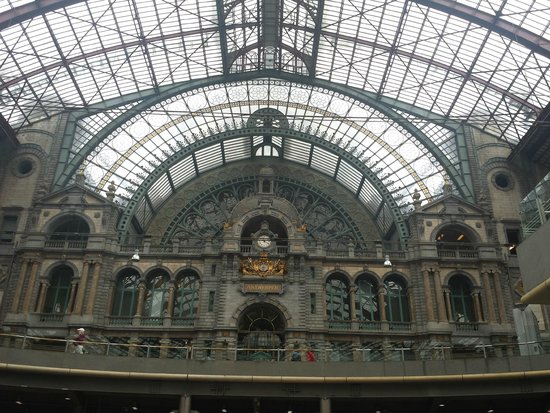 Gare centrale : The clock inside