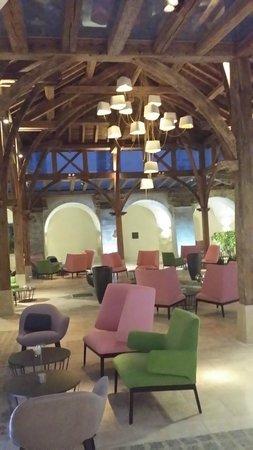 Le Couvent des Minimes Hotel et SPA L'Occitane : Le lobby : Entre anciens et modernes !