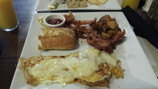 Cafe Bastille : 2 eggs any style