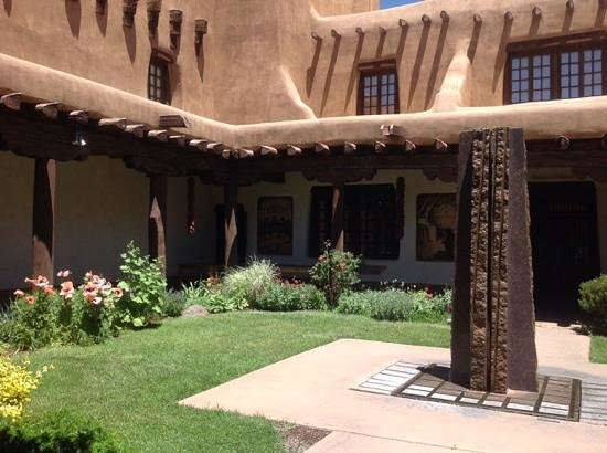 New Mexico Museum of Art: Fountain sculpture in courtyard