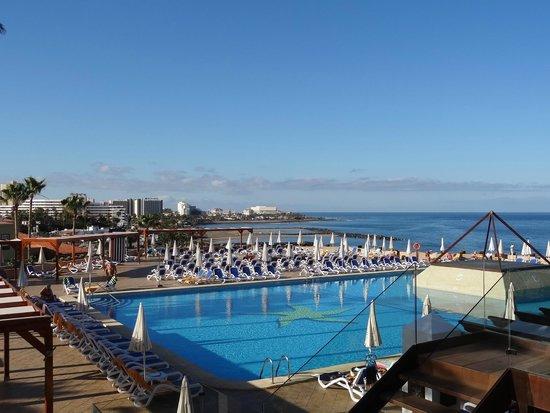 IBEROSTAR Bouganville Playa: pool with sea view