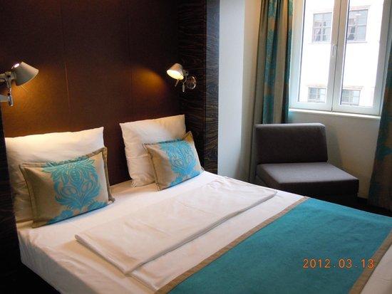 Motel One Leipzig-Nikolaikirche : the bed