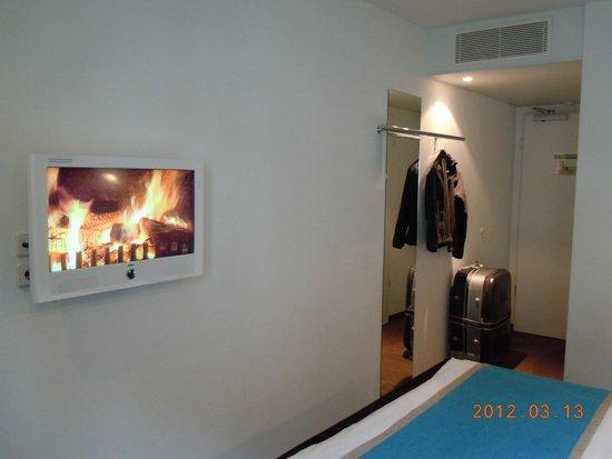 Motel One Leipzig-Nikolaikirche : the room