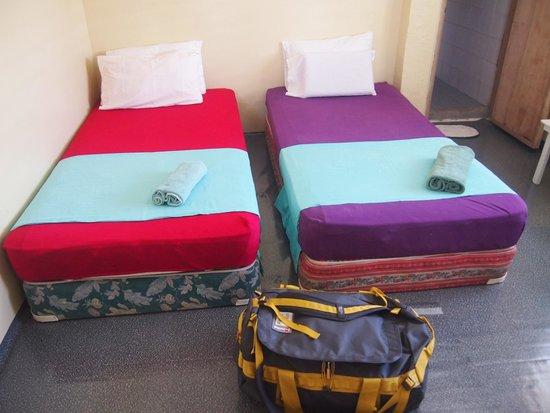 AABANA Beach & Watersport Resort Malapascua: fan room for 2