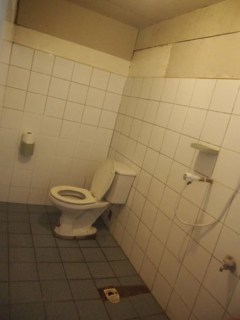 AABANA Beach & Watersport Resort: toilet