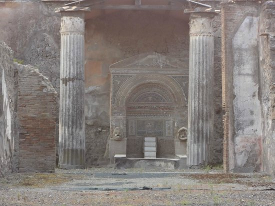 DriverinRome Transportation & Tours: pompeii