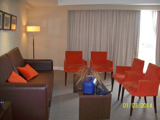 Hotel Vista Suites Spa & Golf: confortable habitacón