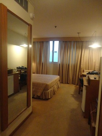 Carlton Hotel Brasilia: entrada do apartamento
