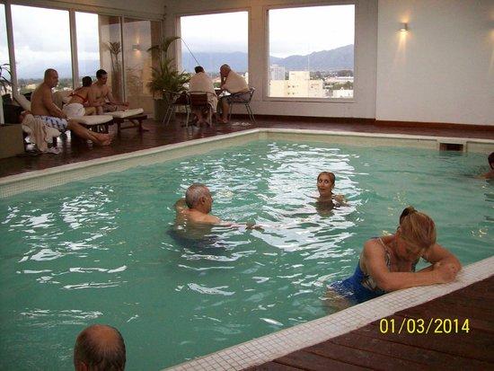 Hotel Vista Suites Spa & Golf: hermosa pileta cubierta