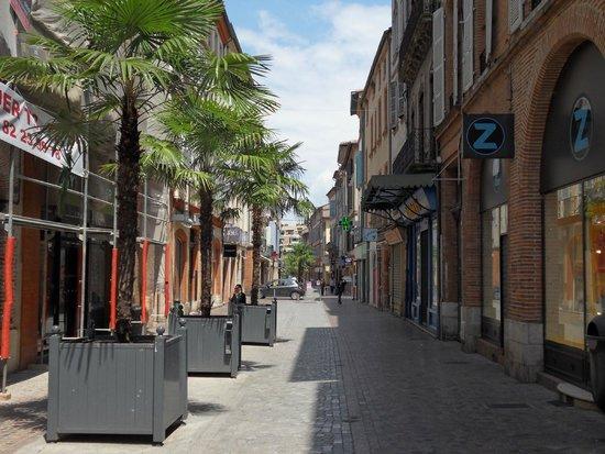Mercure Montauban : Local street scene
