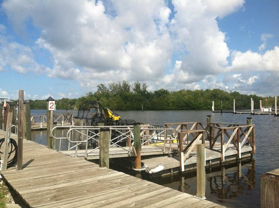 Speedy's Airboat Tours : Getting ready to go!
