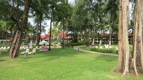 Dusit Thani Laguna Phuket: grounds