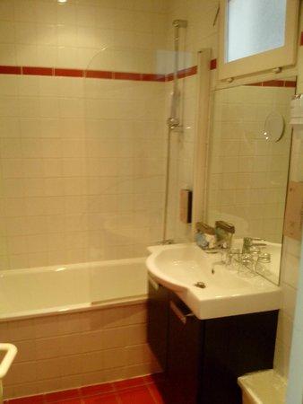 Hotel 29 Lepic: banheiro