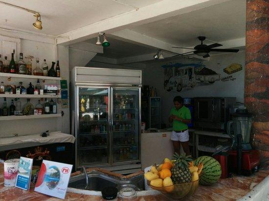 La Reserve Beach Hotel : Beach side restaurant
