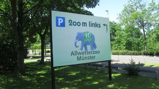 All Weather Zoo (Allwetterzoo Muenster): entrance