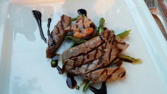 Hotel Silvana: Tagliata di tonno con asparagi croccanti