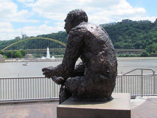 Mr Rogers Memorial Statue June 14 2014 Picture Of Pittsburgh Pennsylvania Tripadvisor