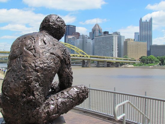 Great Tribute Review Of Mr Rogers Memorial Statue Pittsburgh Pa Tripadvisor