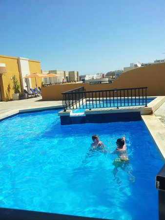 Sunseeker Holiday Complex : Roof top pool