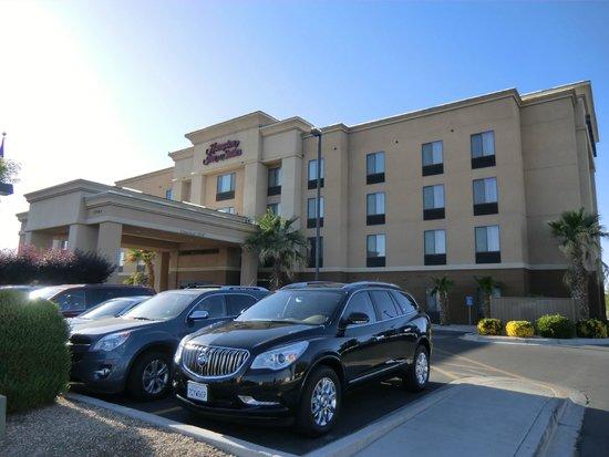 Hampton Inn and Suites Kingman : Aussenansicht
