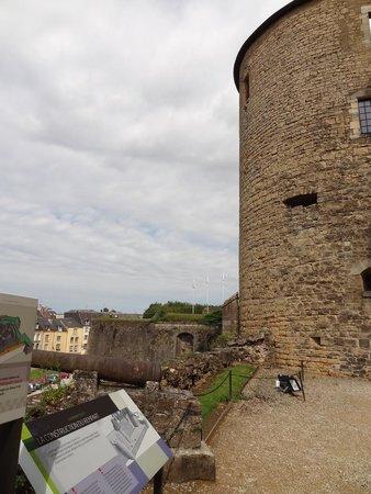 Château Fort de Sedan : tour de coin