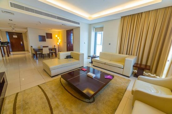 Grand Midwest Tower Hotel & Hotel Apartments: Living room