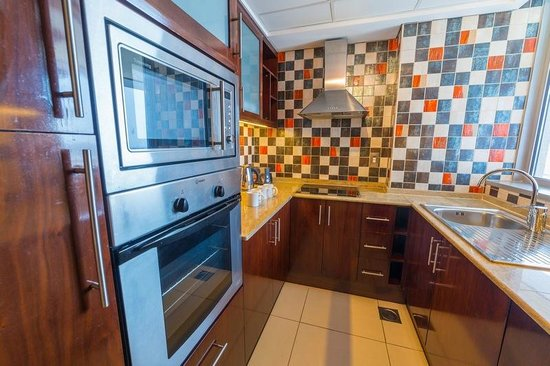 Grand Midwest Tower Hotel & Hotel Apartments: Kitchen