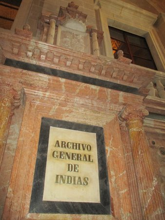 Archivo General de Indias: SCALINATA