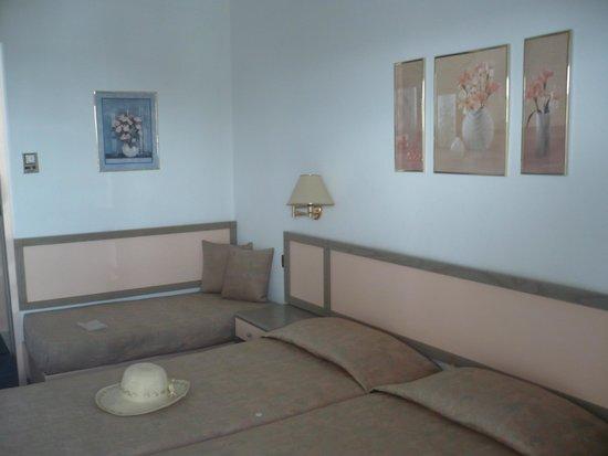 Rainbow Hotel: DL room