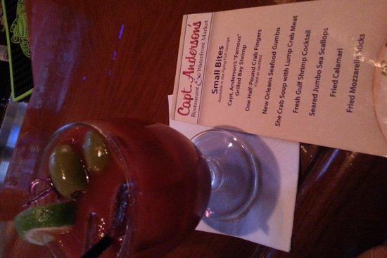 Capt. Anderson's Restaurant: Bloddy Mary at the Bar