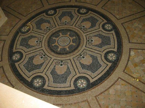 Alba Royal Hotel: Hotel hallway