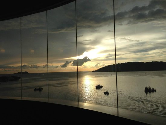 Le Meridien Kota Kinabalu: ホテルからの夕日