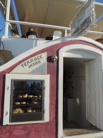 SKIZA Cafe: A fachada