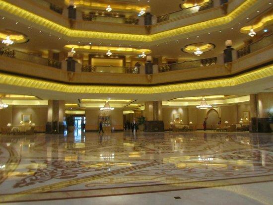 Emirates Palace : Main Foyer of Hotel