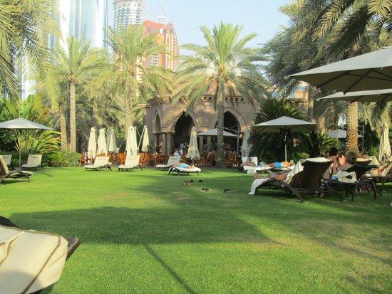 Emirates Palace : Hotel Grounds