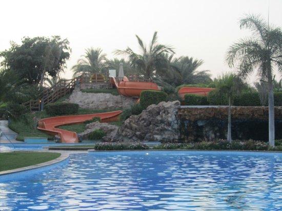 Emirates Palace : West Wing Pool
