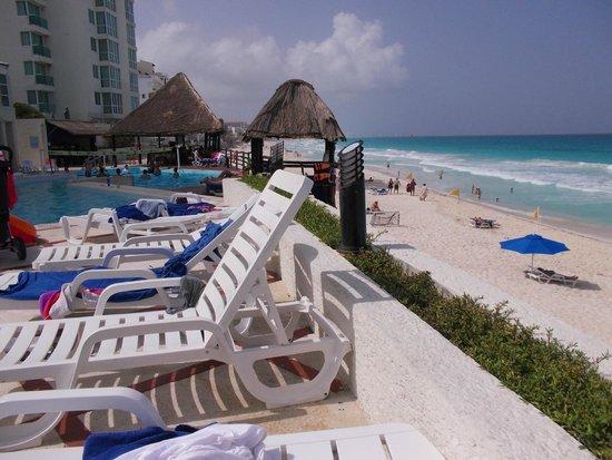 Hotel Yalmakan: Beach
