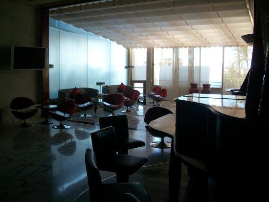 Gloria Palace San Agustin Thalasso & Hotel: Sala con piano