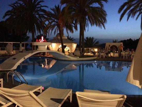 Maritim Hotel Galatzo : the vista del ray pool
