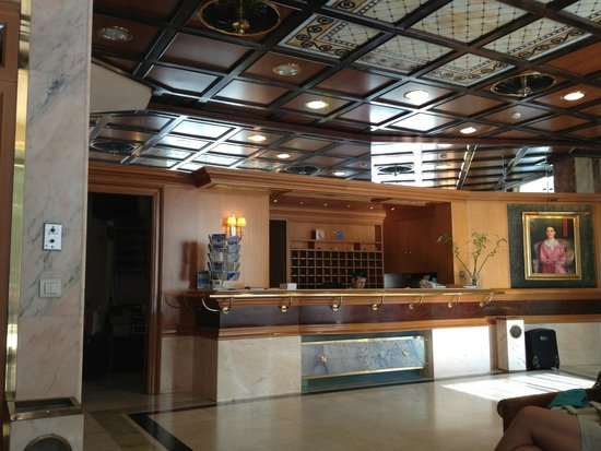 Balasca Hotel: Холл отеля