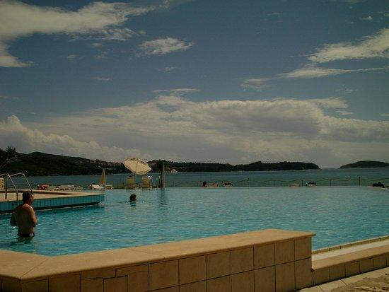 Hotel Orphee : piscine et panorama