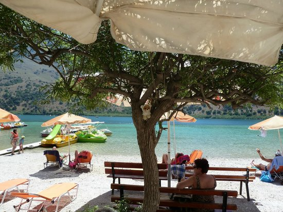 Aquila Rithymna Beach Hotel : Boo at Kournas Lake