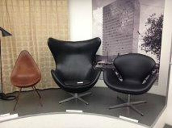 Designmuseum Danmark: Chairs from the 20th century