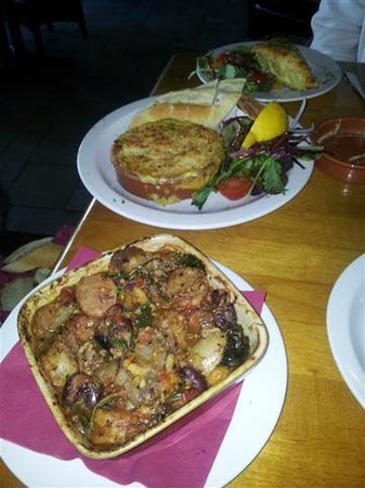 The Met : Cassoulet and devilled crab