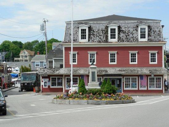 Kennebunkport Inn: Around Town